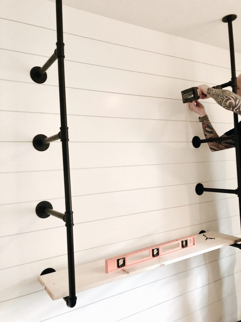 Farmhouse Style: DIY Industrial Pipe Shelving Kit - This ...